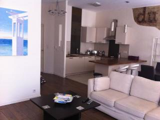 Nice Apartment in the Port