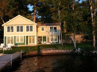 Lakefront Vacation Cottage, Little Sebago, Gray