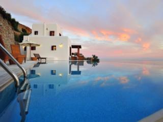 3 Bedroom Villa in Mykonos