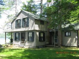 Lake Winni Waterfront Pet Friendly (BEN38W), Moultonborough