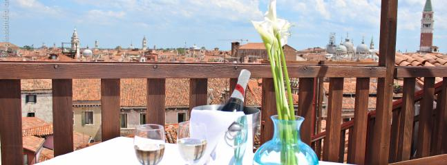 Relaxing moments in the top roof terrace Altana Albachiara