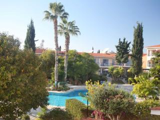 Paradise Gardens-Sunshine Holiday Apartment, Pafos