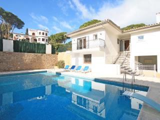 Casa de vacaciones con una gran piscina privada, L'Escala