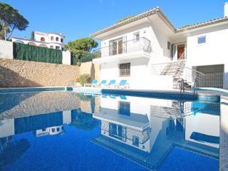 Casa con una gran piscina privada en L´Escal de vacaciones, L'Escala