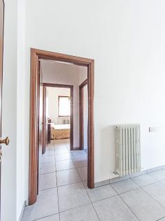 Il corridoio per accedere alla camera e al bagno