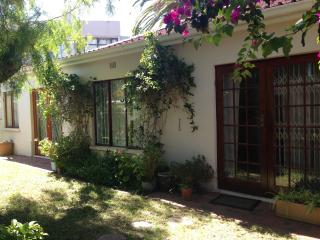 Comfortable spacious family home, Rondebosch