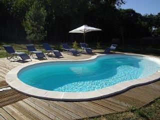 la longère en périgord avec sa piscine chauffée
