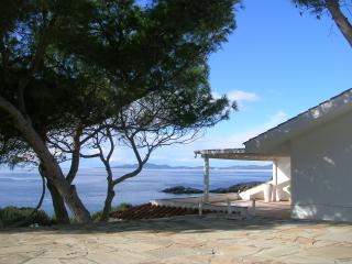 gorgeous villa in front of the Sea!!, Sant'Anna Arresi