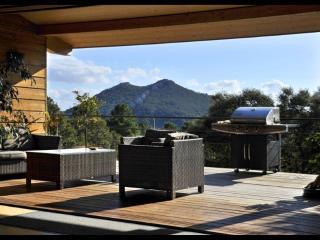 Villa bois près de la rivière & plage à 10 mn, Conca