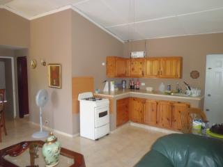 2BR 1 BA...apartment Wendy at Villa Morales
