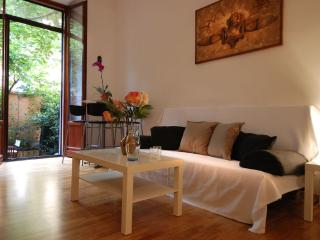 Beautiful and cozy garden apartment, Milaan