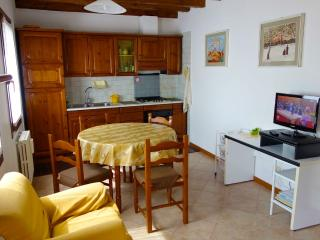 Avogaria - Very Sunny 2 Bedroom on 3 Floors, Venise