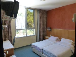 Self Catering room In Marom Hotel, Haifa