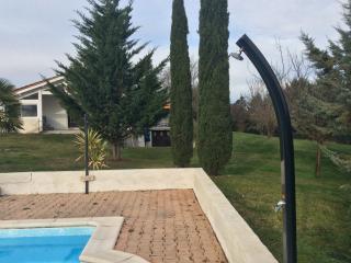 MAISON AVEC PISCINE ET jacuzzi 2s.d'eau, Cahors