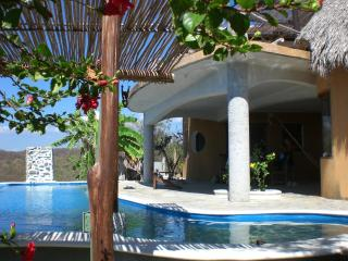 villa con piscina privada, Puerto Angel