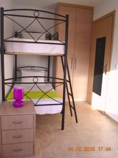 Quarduple bedroom / bunk beds