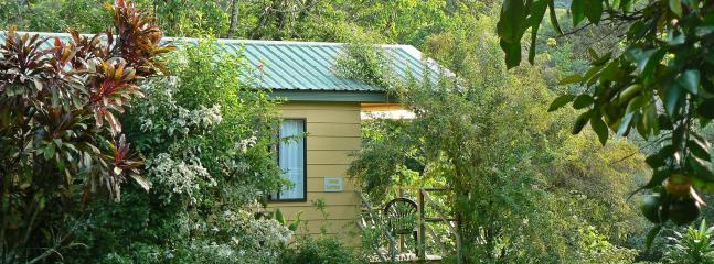 Sunbird Sanctuary - King/Twin bungalow