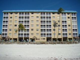 Voted 'Best Condominium on the Beach' Beachfront, Fort Myers Beach