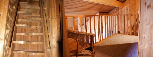 Sparraumtreppe zu Obergeschoss und Galerie
