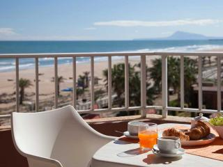 Lujoso Apartamento frente Mar Mediterraneo, Playa de Gandia