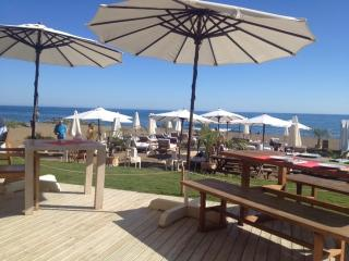 Beach restaurant with childrens play area, and roof terrace overlooking Gibralter and Africa