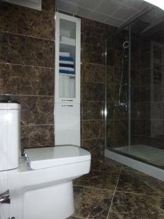 Newly refurbished bathroom ... WOW!