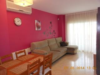 Apartment with two bedrooms, 2 min. to the beach