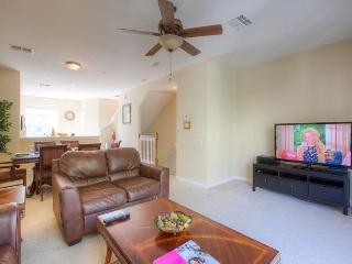 Newly Furnished Vista Cay 3BD/3.5BA TownHome, Orlando