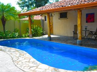Luxury Getaway Villa/Pool and 3Bath, Playa Hermosa