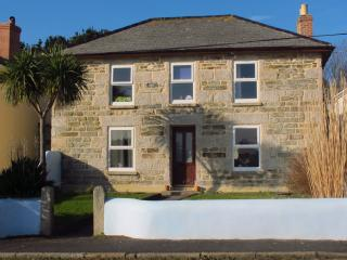 Hayle, Cornwall, Self Catering, Sleeps 8