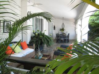 Villa Ondine with pool, 50 meters from the beach, Tamarin