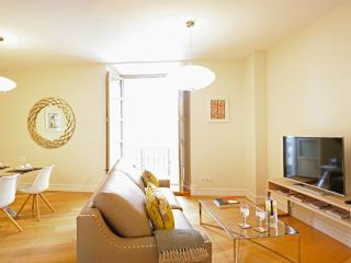 Stylish 2 bedroom + 2 bathroom in Malaga Center
