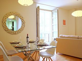 Stylish 2 bedroom apart. next to Malaga's Catedral