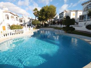 Poolside Bungalow Between Torrevieja & La Mata
