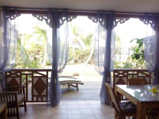 DISCOUNT -25% Aug/Sep/Oct - SALT BEACH - 1 bedroom - Beachfront, Sea View & Pool