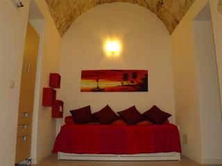 la casa dei nonni (rossa), Giardini Naxos