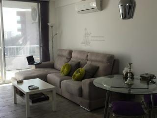 Apartamento en Playa den Bossa cerca de Ushuaia, Ibiza Ciudad