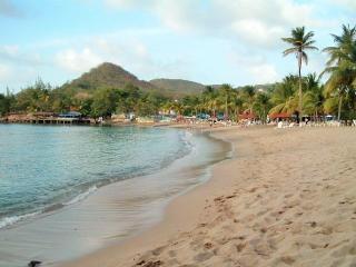 An Becune Sandy Beach 1 min walk