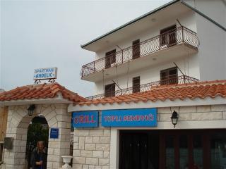 Apartments - Linarska 1 Vinišće, Vinisce