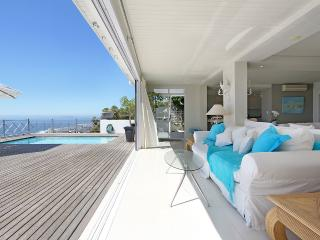 Ocean Views Villa - Luxury 4 bed - Expansive views