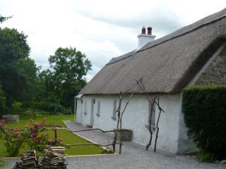 Hawthorn Cottage - Thatched