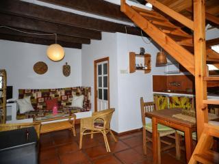Bonita Casa Rural  (2) con jardin privado y terraza atico , se admite perro