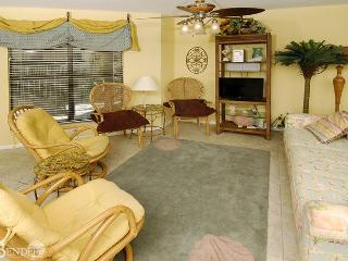 Splendid Beachside Condo ~ Bender Vacation Rentals