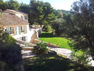 la villa vue sur mer 12 pers 6 chambres 6 SdeB,  climatisée, piscine plein air chauffée