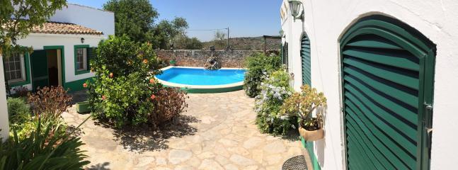 Pátio e piscina