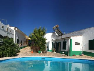 Casa Delfim - 3 Cottages & Pool, Alte