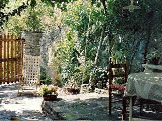 Old Tuscany country-house in Stazzema