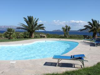 Spiaggia Bianca - garden and pool
