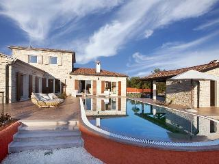 Rustical villa for rent with pool, Istria