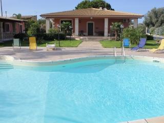 Sofia Villa con piscina privata, Floridia